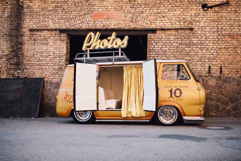 Eine Fotobox auf der Hochzeit - Spaß für Groß und Klein