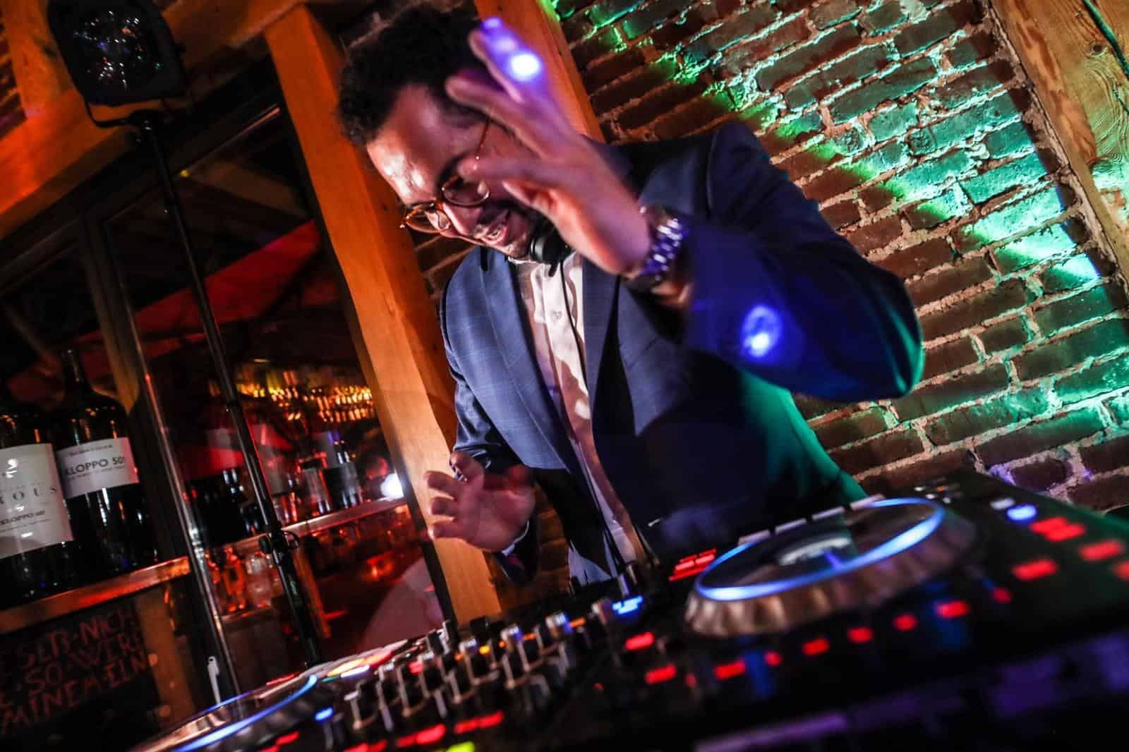 Die Playtime - Wann legt der Hochzeits-DJ los?