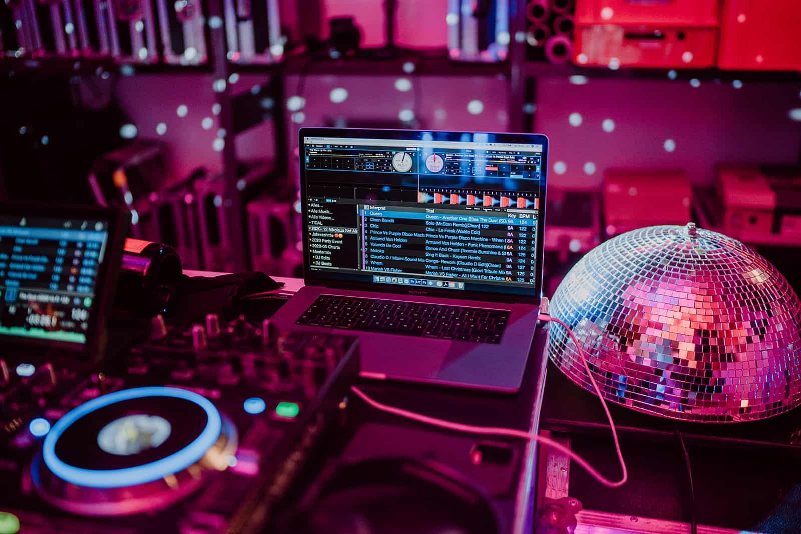 Livestream-Event-Online-Party