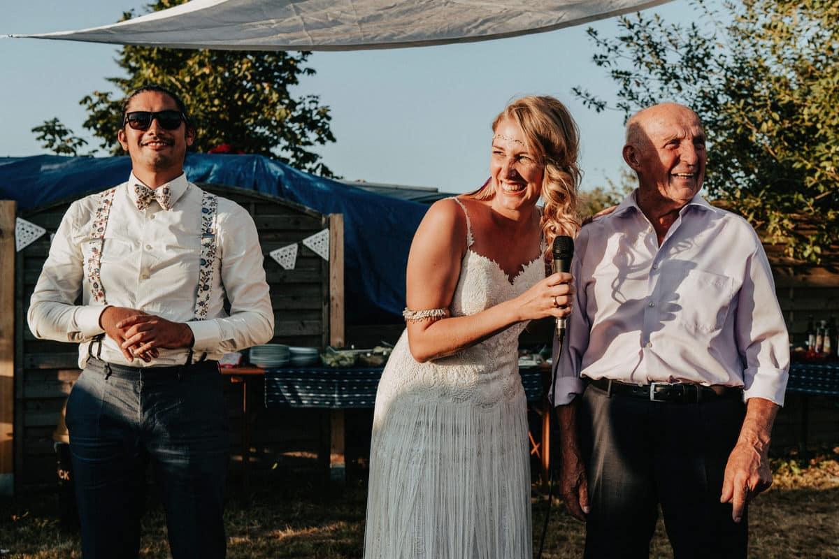 DIY-Hochzeit-DJ-Garten